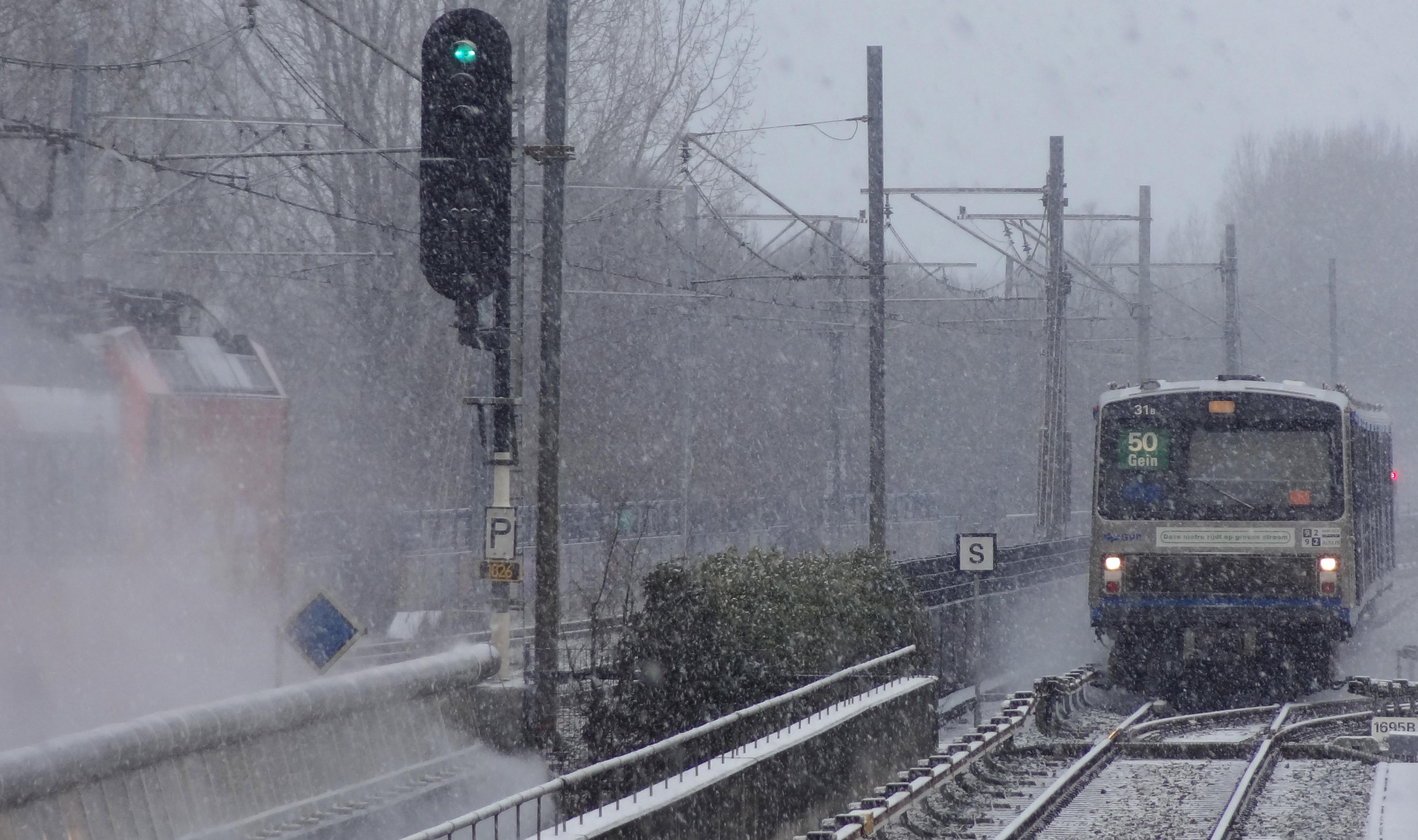 Amsterdam Lelylaan sneeuw