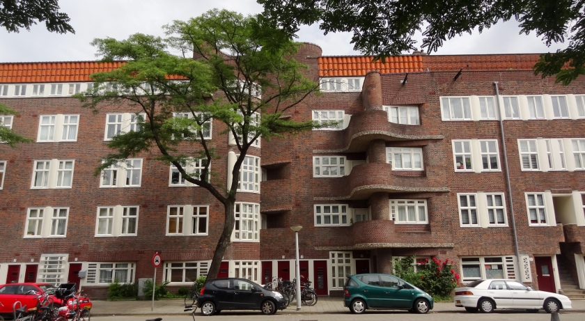 Holendrechtstraat 2