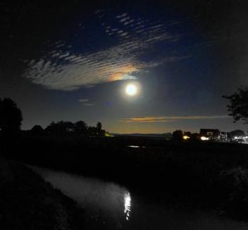 Maan bij Wijnaldum 4