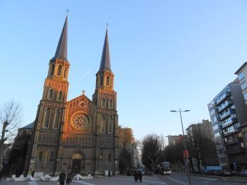 Antwerpen kerk in straatbeeld