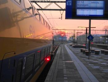 Trein naar Nijmegen ochtendzon