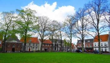 Hilvarenbeek Vrijthof met Protestantse Kerk
