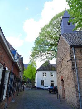 Oirschot dorpsbeeld en kapel