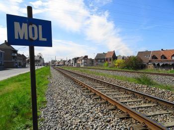 Spoorlijn bij Mol